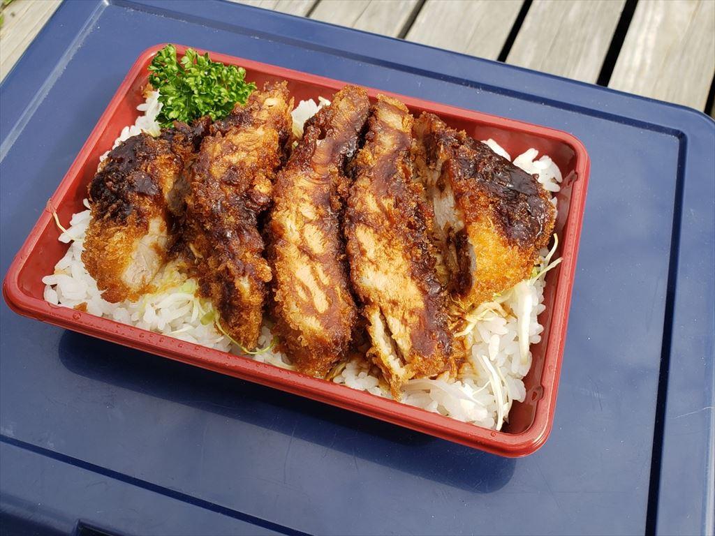 フードストアあおきのソースカツ丼&味噌カツ
