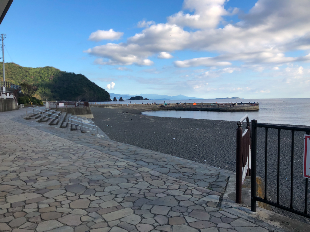 今朝のいるか浜公園