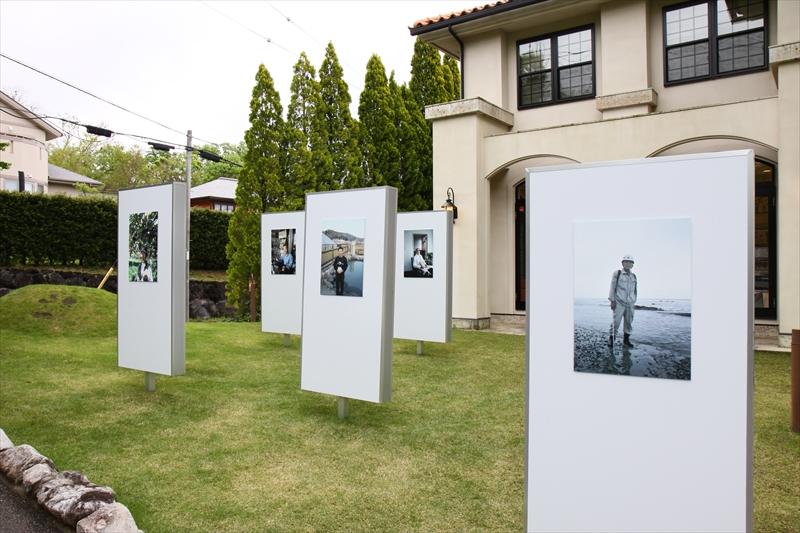 今日から多々良栄里さん「ひとびと」屋外での写真展がスタート!