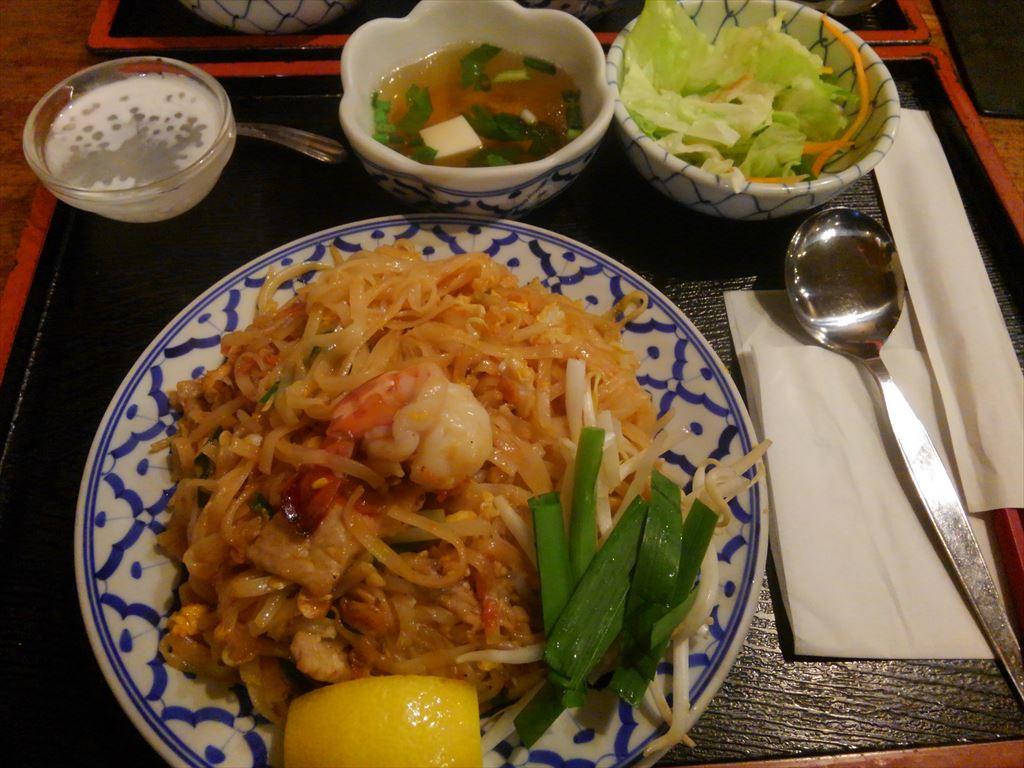 タイ料理のバンダイ